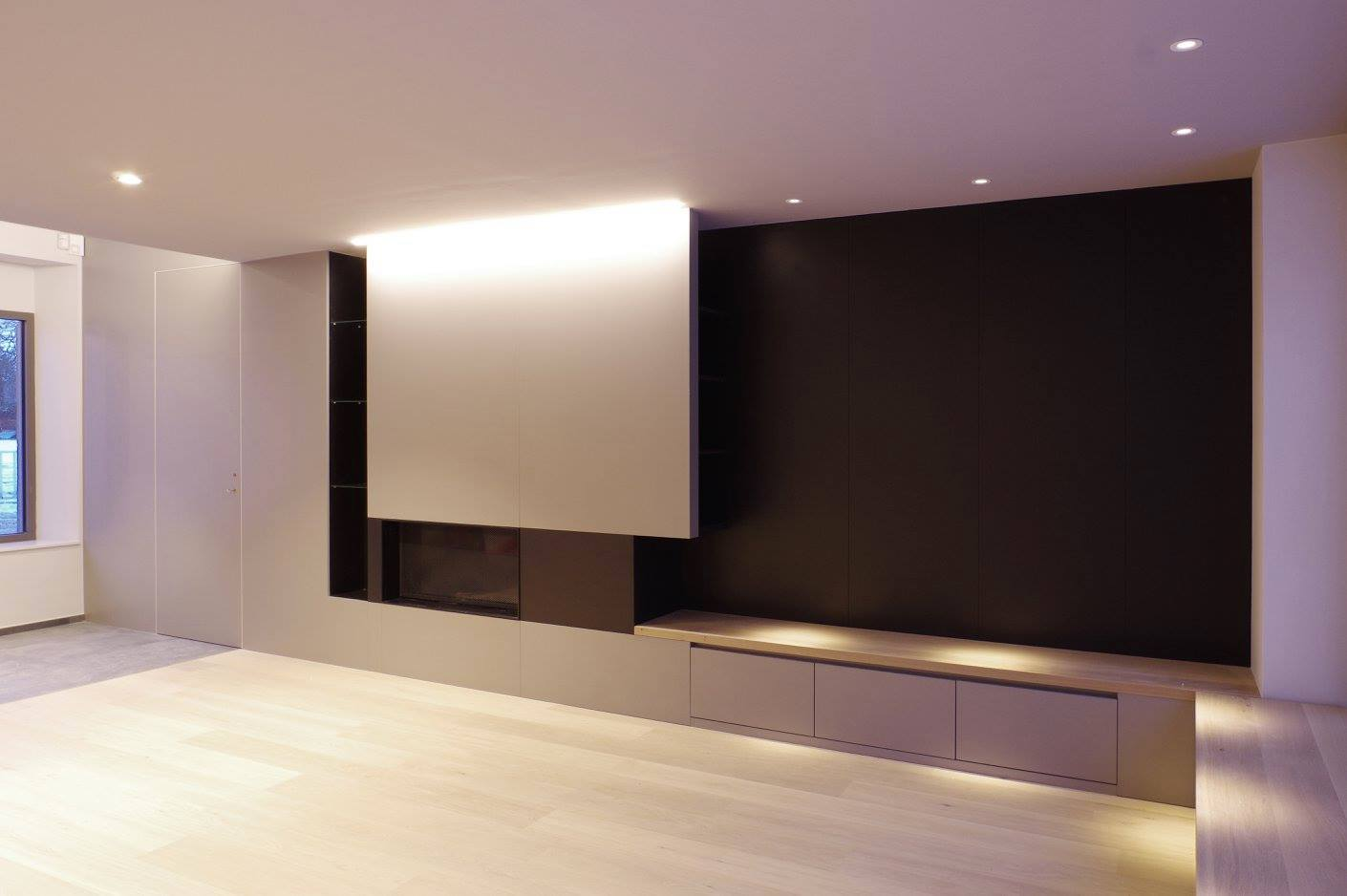 conception r alisation de meubles tv foyer. Black Bedroom Furniture Sets. Home Design Ideas